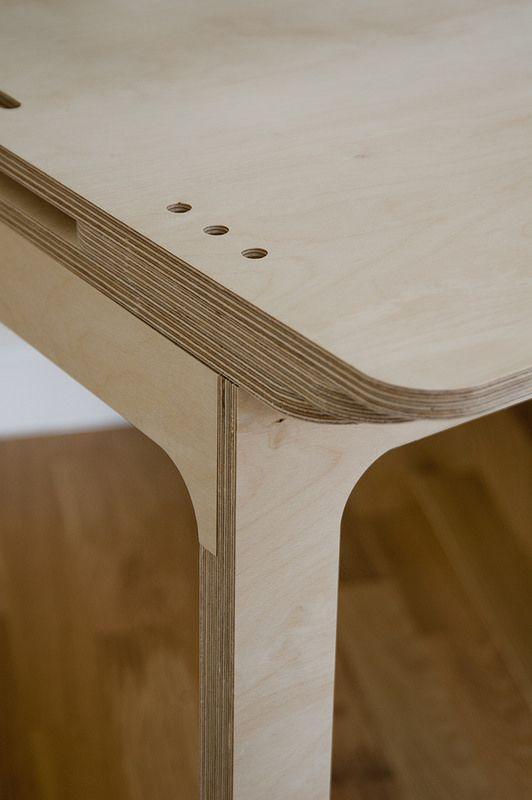 CNC Plywood Desk. Leg Detail And Pen Organiser.