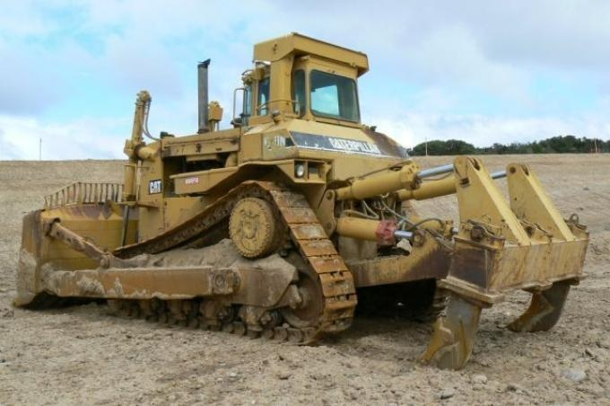 (817) 202-1000 - Caterpillar introduced an on-highway truck that can be assembled as a dump truck, concrete mixer, waste carrier, heavy hauler, or other vocational purpose. Caterpillar Machines, Cat Trucks, Equipment, Loaders, Diesel, Tractors, Excavators Caterpillar, Compact Track and Multi-Terrain Loaders,