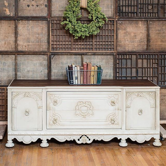 Annie Sloan Stockist Knot Too Shabby in Glendora, CA, used two coats of Old Ochre Chalk Paint® with a coat of Clear Chalk Paint® Wax, and touches of Dark Chalk Paint® Wax to update this beautiful buffet.
