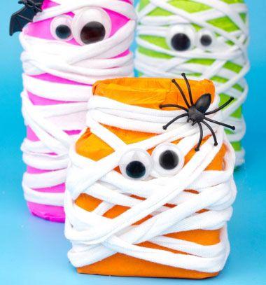 DIY Neon mason jar mummies - fun Halloween decor // Neon múmiák befőttes üvegekből - halloween dekoráció gyerekeknek // Mindy - craft tutorial collection // #crafts #DIY #craftTutorial #tutorial #Upcycling #RecyclingCraft #UpcyclingCraft #MasonJarCraft #Glass