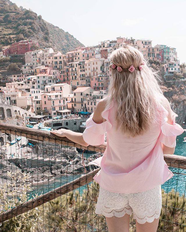 Take me back to this beautiful place  Cinque terre  a dream came true #dream #cinqueterre #italy #summer #blondie #hair #hairstyle #pink #manarola #vernazza #riomaggiore #summertime #beauty #beautiful #girl #czechgirl #blogger #likeforlike #like4like #travel #traveling #view #style #americanstyle #prettylittleiiinspo #ootd