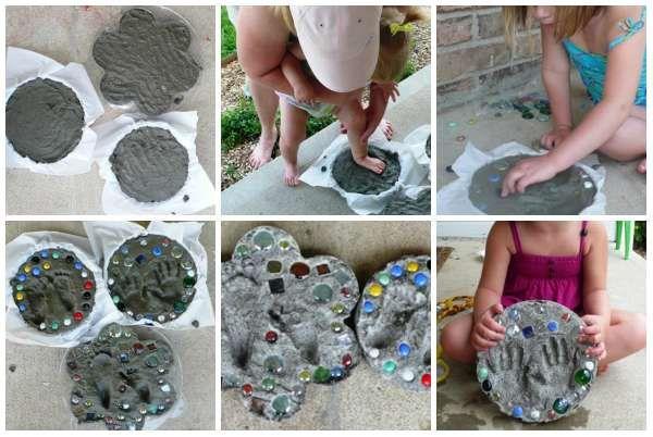 Des empreintes en ciment comme souvenirs