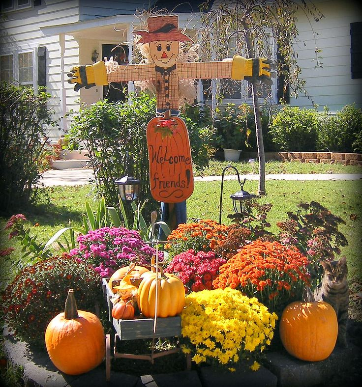 fall decorating outside jess going to have to build me a scarecrow - Outside Fall Decorations