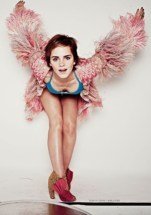 Another New Outtake of Emma Watson for Elle UK (2011) - Imgur