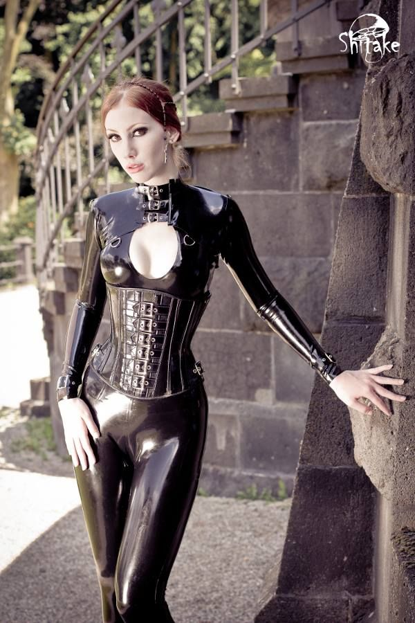 Leila Lunatic-model | Official Leila Lunatic | Latex ...