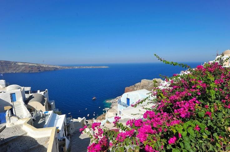 Santorini Island, Cyclades  Ελλάδα, Greece, 11.10 a.m.  Καλημέρα, Good morning, Buongiorno, Bonjour, Buenos dias, Dobro jutro!!!  (photo by jack metthey)