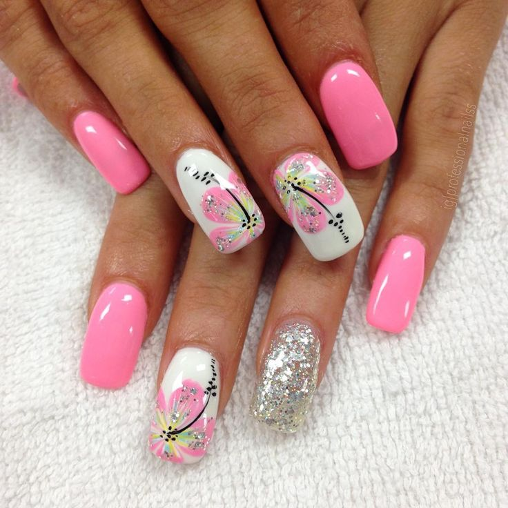 Love these sparkly flowers so cute! Nail art design idea for summer