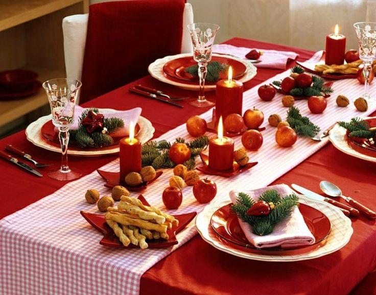 Weihnachtlich wirken Äpfel und Tannengrün