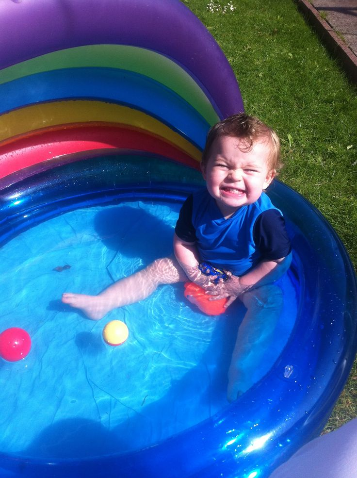 Maximus cooling down in the garden.