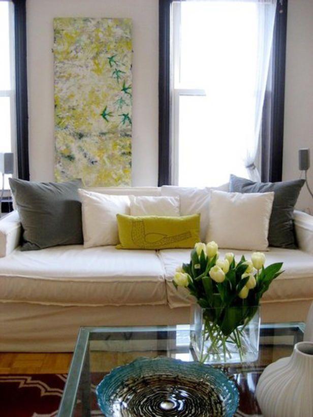 DianaMync yellow white living room