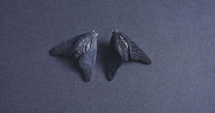 Броши с мотыльками выполнены из полимерной глины, с оборотной части - фурнитура в пиде пина или булавки на выбор. Размер броши около - 4 см х 4.5 см.
