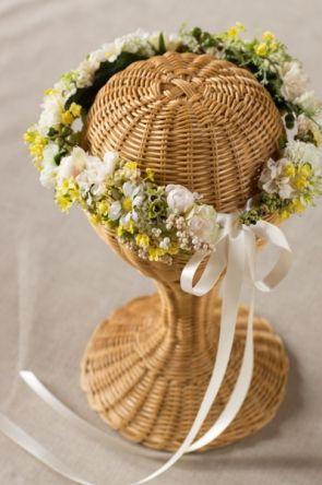 グリーン×イエロー 野花たっぷり ナチュラルガーデン花冠 商品詳細 花冠やウェルカムボードなど手作りで制作します ウェディングのお店 Cocochi Mille