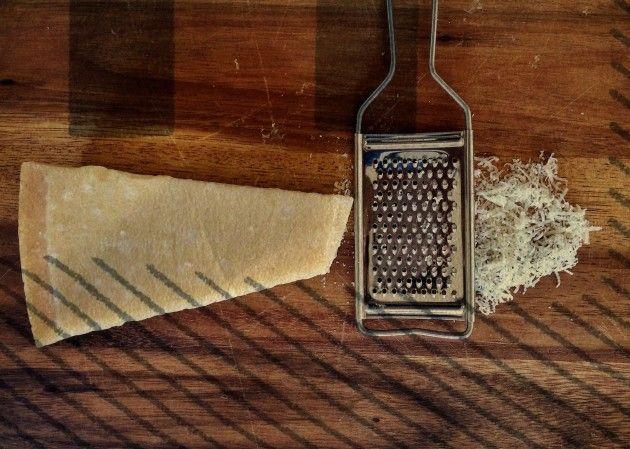 Wir lieben unseren Parmigiano über alles. Hier 3 PRAKTISCHE TIPPS für den maximalen Genuss des italienischsten aller Käse.