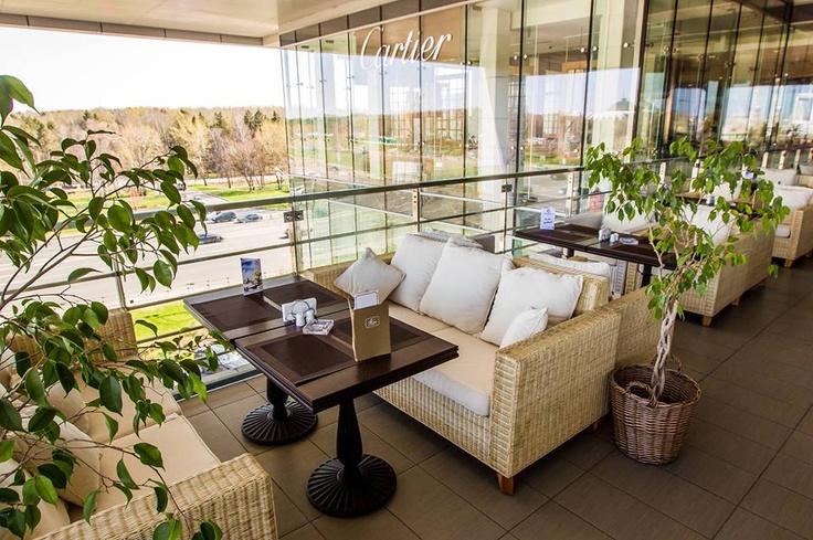 Проводите время жарким днем под сенью живых деревьев на балконе Kekc in the city! Летние коктейли и специальное меню помогут получить настоящее удовольствие от обеда или ужина с друзьями! #vremenagoda #places #summer #kekcinthecity!