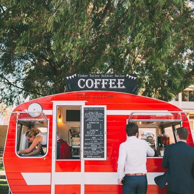 Caffeinating the dapper guests at Johnny and Tegan's incredible wedding with our travelling specialty coffee bar!