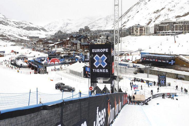 """""""Diversos esquiadores ficaram abalados e receberam assistência dos funcionários da estância. Equipas de emergência foram destacadas imediatamente. Após as operações de busca, não há vítimas a relatar"""", refere um comunicado da estância de Tignes, nos Alpes franceses"""