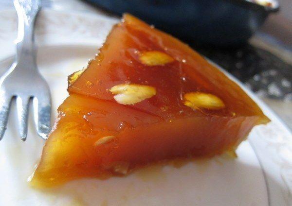 Χαλβάς Φαρσάλων νηστίσιμος. Ένα πολύ γνωστό παραδοσιακό κι αγαπημένο γλυκό με υλικά που όλοι έχουμε στο ντουλάπι μας. Ένα υπέροχο γλυκό που απαιτεί υπομονή