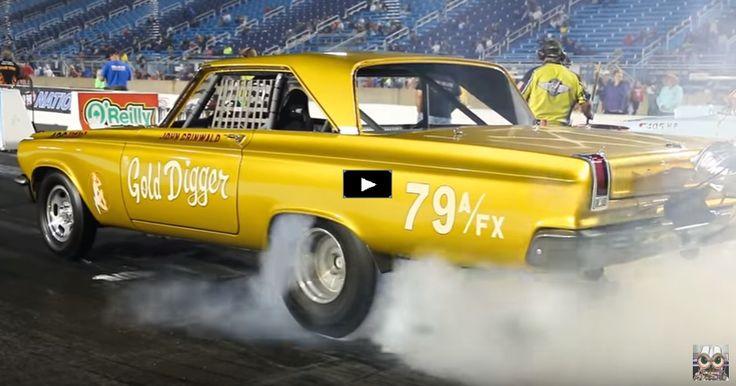 Wheelstanding 1965 Dodge HEMI Coronet Gold Digger