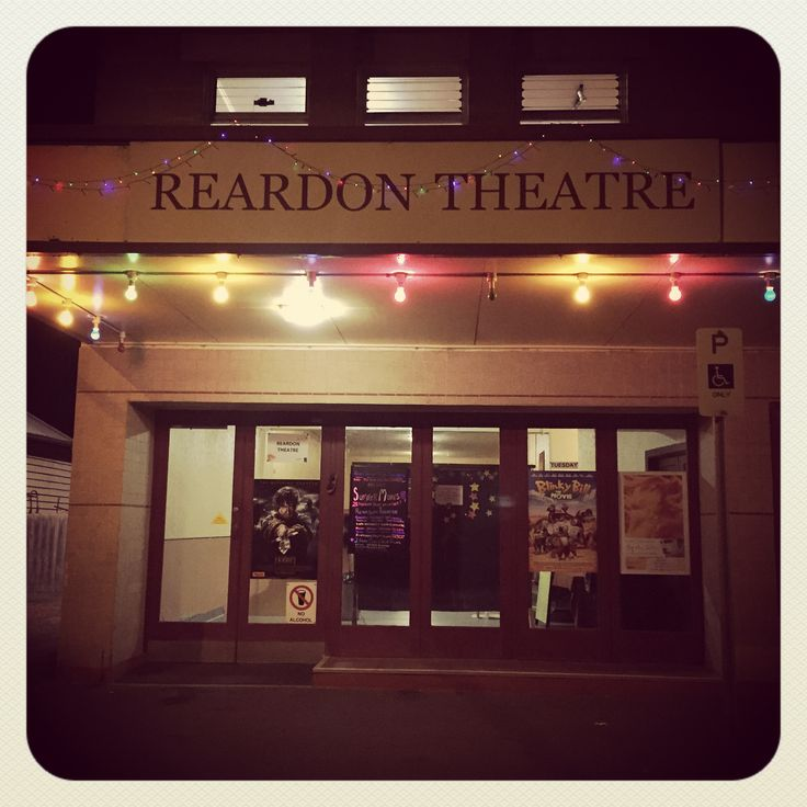 Reardon Theatre - To complete my evening I bought my $8 ticket (Melburnians can you believe it??) to see a screening of The Hobbit at the Reardon Theatre, the lovely lady at the desk even let me take my Poco ice cream inside. Many a night of my childhood summers were spent here viewing classics like Roger Rabbit, Turner and Hooch, and Demolition Man. Reardon is run by the Port Fairy Film Society, prior to screening patrons were shown a selection from the ABC's What's Your Story instead.