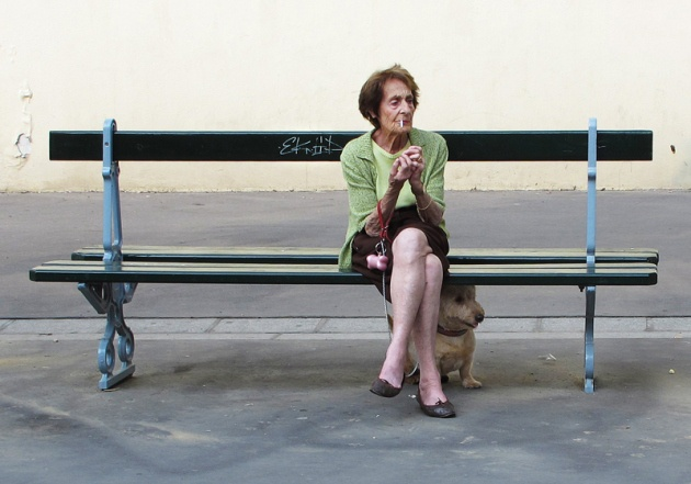 Alison McCauley, smoking - Paris
