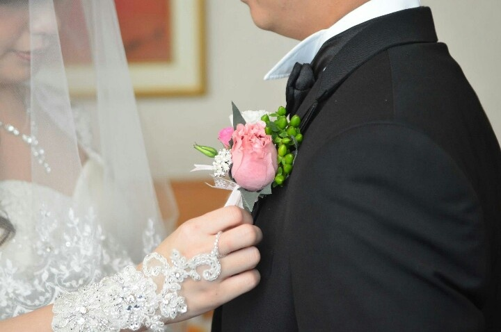 Peony buttoniere, lace embelished beaded wedding gloves.