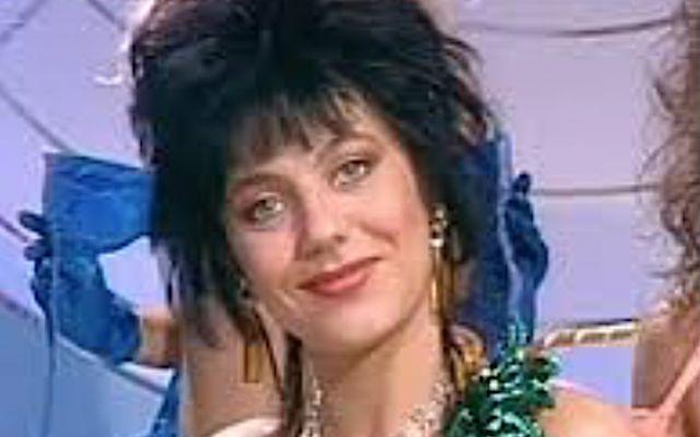 Ricordate le RAGAZZE CIN CIN di COLPO GROSSO ? Ecco NADIA VISINTAINER la sola italiana COME ERA, COME E' e COSA FA oggi. Chi si ricorda di COLPO GROSSO e delle sue splendide RAGAZZE CIN CIN ? Ecco NADIA VISINTAINER la sola ragazza italiana delle 7 che si racconta a Curiosando. Tante curiosità, COME ERA da giovane, COME #colpogrosso #sexi #cincin #gossip