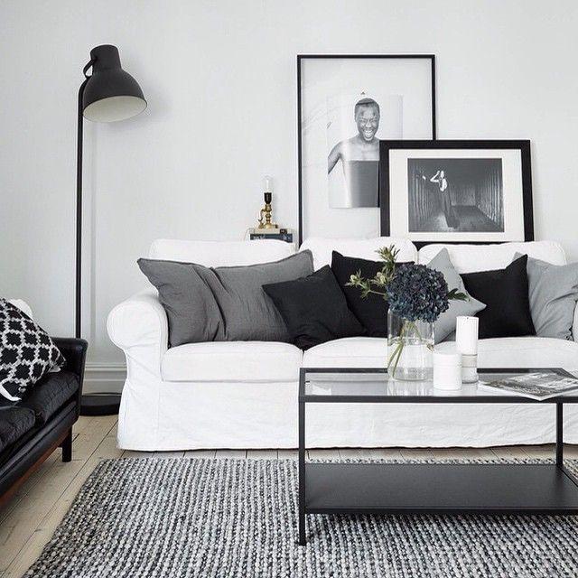 Black and white inspiration from entrancemakleri.se! #livingroom #vardagsrum #interior #interiör #inredning #instagood #inspiration #interiordesign #blackandwhite #svartvitt #designinspiration #homedecor #heminspiration #homeinspiration. #Padgram