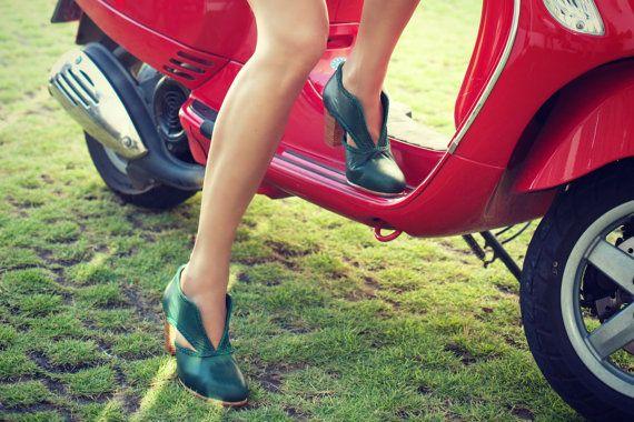 SPIRIT WALKER. Leather booties  / women shoes / women booties / vintage booties…