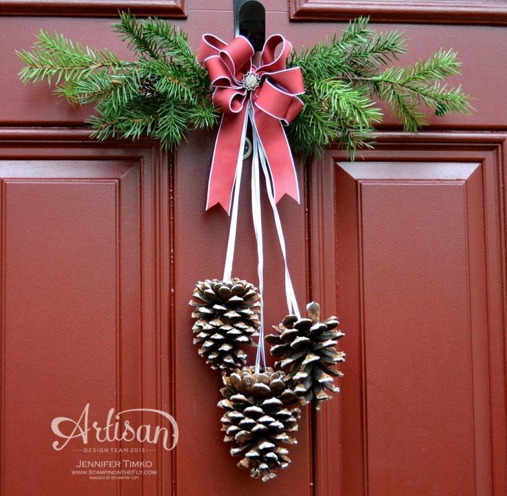 Dress up the front door for Christmas! Love this Cherry Cobbler ribbon & the Frosted Finishes Embellishments! http://www.stampinup.com/ECWeb/ItemList.aspx?categoryID=1470