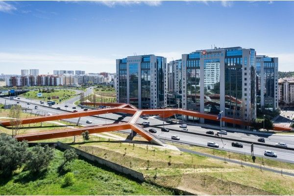 Bridge over segunda circular in Lisbon designed by MXTstudio