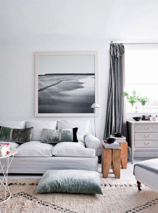 Poppytalk: Friday Pinterest Links  image from women.es: Living Rooms, White Living, Living Room Design, Livingroom, Interiors Design, Colors Schemes, Grey Living Room, Home Design, Design Home