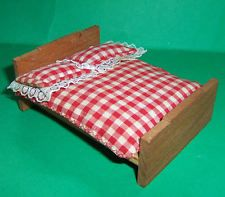 VINTAGE DOLLS HOUSE 1950's TWIGG BED