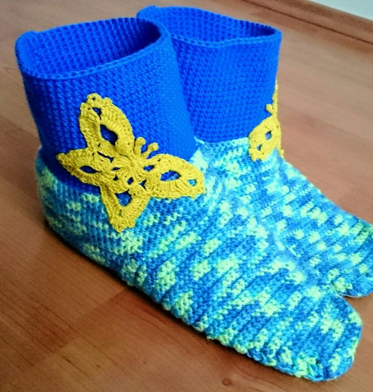 Crochet socks. Butterfly