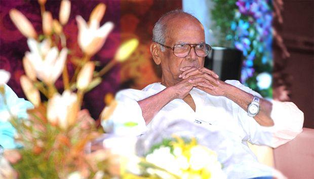 Film director Bapus last rites today http://goo.gl/zkroCA #bapubommalu #Bapugaru #bapu #bapupaintings  http://www.thehansindia.com/posts/index/2014-09-02/Film-director-Bapu%E2%80%99s-last-rites-today-106516