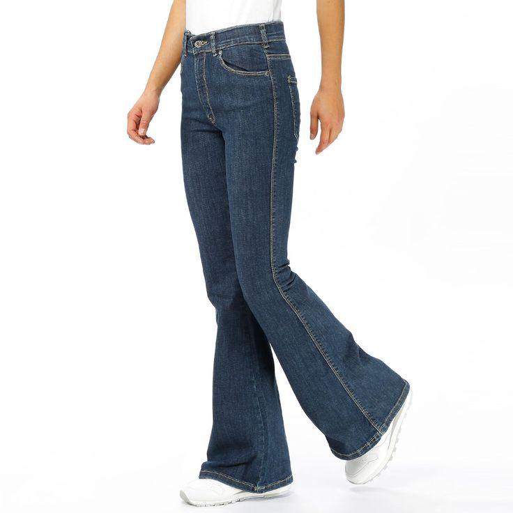 Jeans med utsvängda ben från Dr.Denim. Material: 98% Bomull, 2% Elastan…