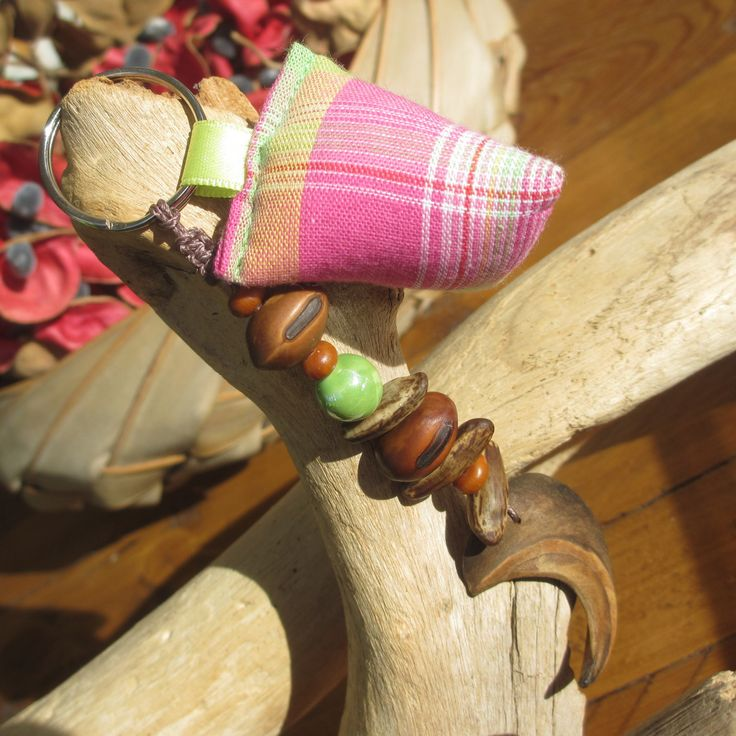 Porte-clés berlingot madras et graines : Porte clés par inspiration-antilles