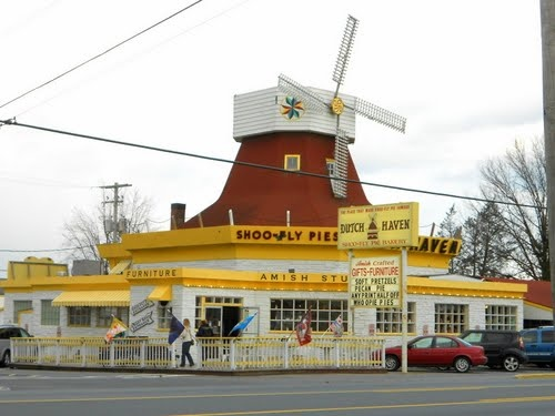 Dutch Haven Shoo-Fly Pie Bakery, 2857 Lincoln Hwy E # A, Ronks, PA