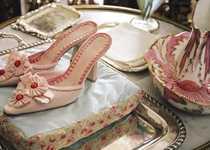 全てマノロ・ブラニク♡映画マリー・アントワネットのお靴がお菓子みたいな可愛さ♡のトップ画像