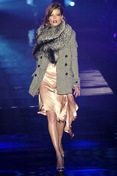 women fashion uk Julien Macdonald Autumn Winter 2004 5 Ready To Wear