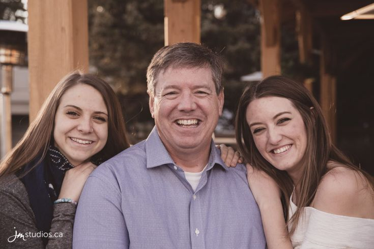 Szarmes #Family Session at Bowness Park. #FamilyPhotos by Calgary Family Photographers JM Photography © 2017 http://www.JMstudios.ca #JMportraits #JMstudios #JMphotography #FamilyPhotography