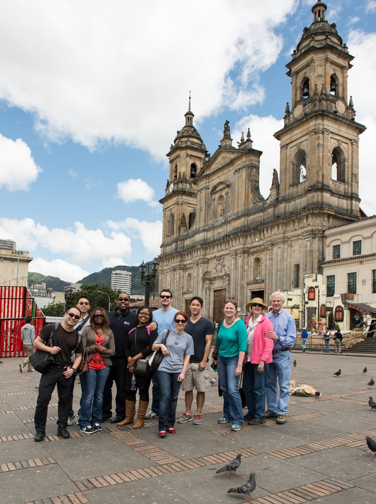 Group picture in the Plaza de Armas, Bogotá