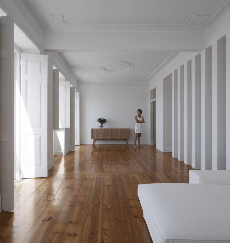Gallery of Dafundo Apartment / João Tiago Aguiar - 1