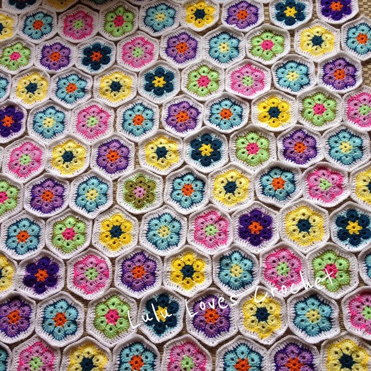 @ Lulu Loves Crochet: African Flower Obsession