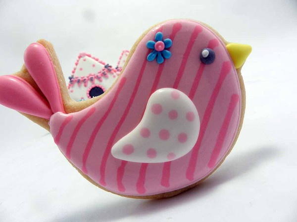 Flour Box Bakery — Little Birdie Birthday Party! @Suzy Mitchell Fellow Reeves I want a little girl just so I can give her a birdie birthday party with these cookies. Who can we convince to use these?