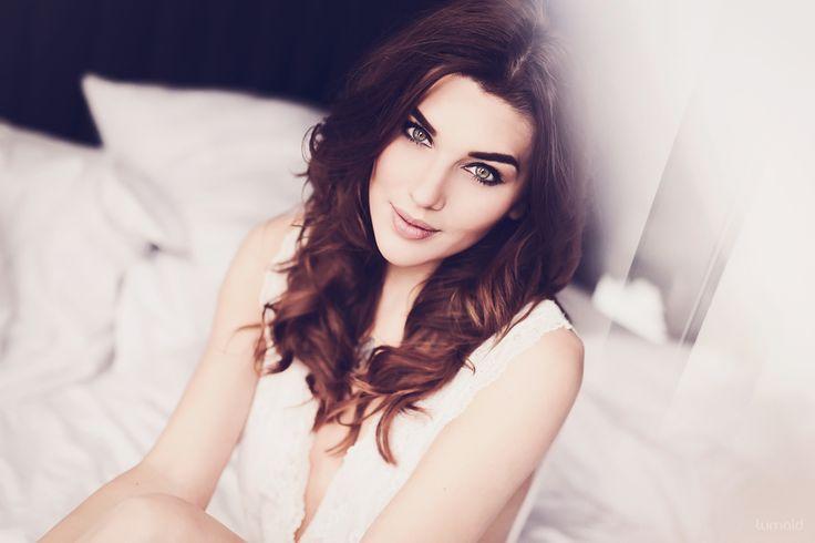 *c - Claudi #portrait #photoshoot #hotelshoot #boudoir #photoinspiration #sensual #lingerie