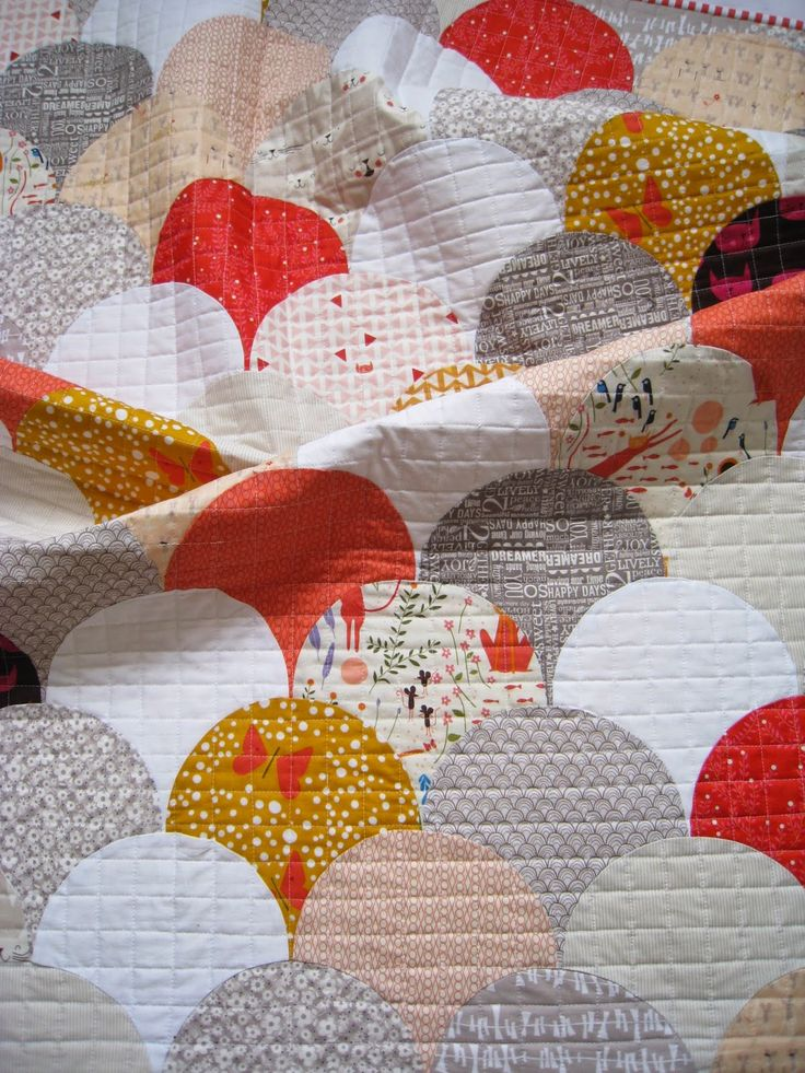 "8"" Clamshells with link to free tutorial. glam clam quilt"