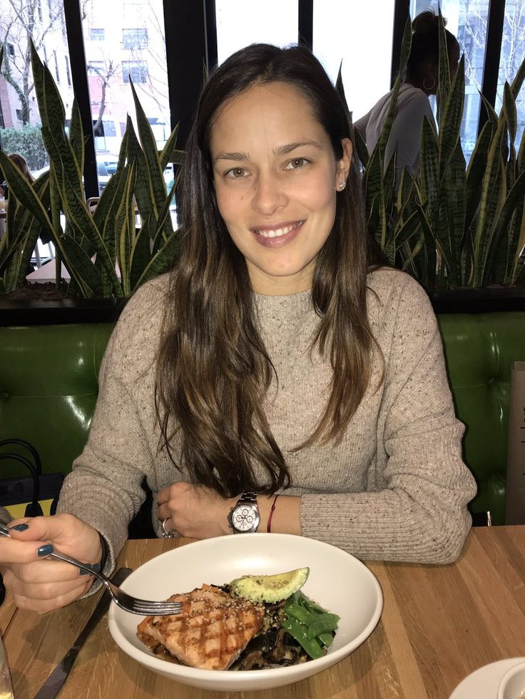 "Ana Ivanovic  ""Not falling asleep, just ready to devour my healthy ""pick me up"" lunch 😊… """