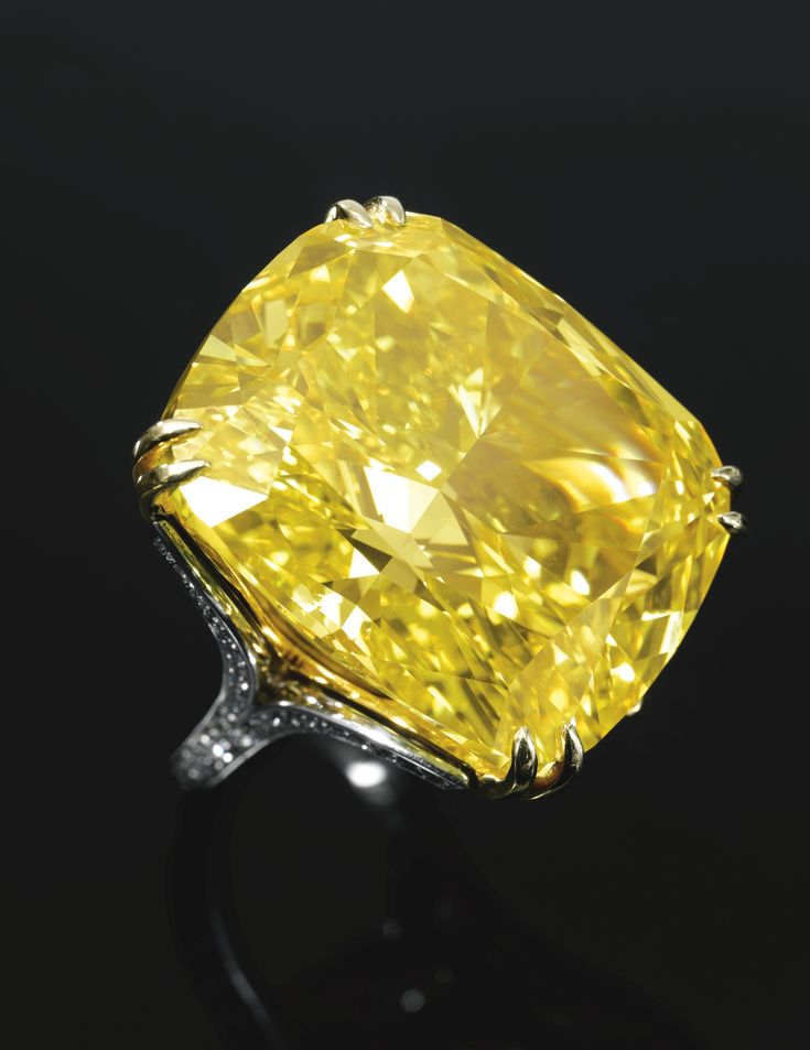 The #Graff Vivid Yellow #Diamond , the colour of a daffodil and weighing 100.09 carats