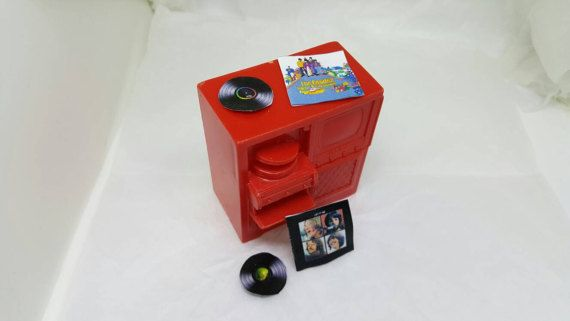 Marx Marxie Mansion tv stereo hi fi record player Fits 3/4 Renwal Soft Plastic Red #louismarx #collectors