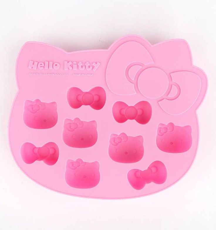 Cute and cool silicone ice cube tray: #HelloKitty ice cubes for a super fun summer!
